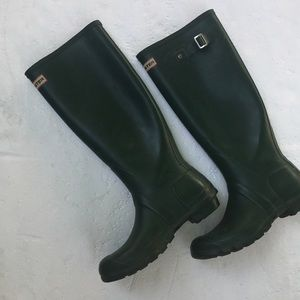 Hunter boots olive green size 8F